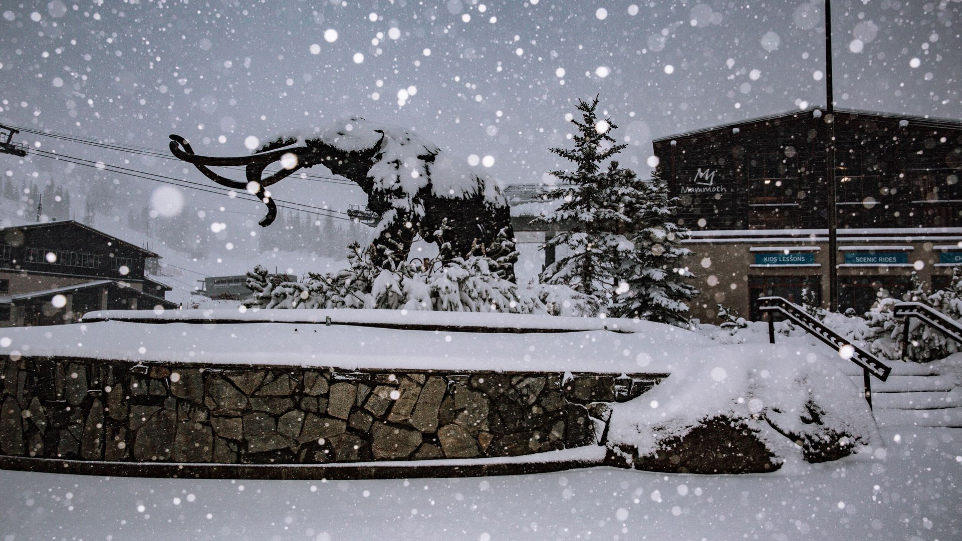 The calendar may have read spring, but Mammoth Mountain looked more like a winter wonderland on May 16, 2019. (Credit: Peter Morning/ MMSA)