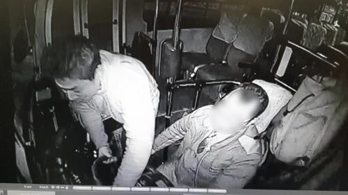 만취 상태로 버스 올라타 핸들 꺾는 박정태