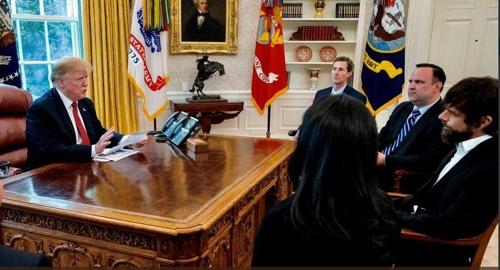 잭 도시(오른쪽 끝, 턱수염) 트위터와 만난 트럼프
