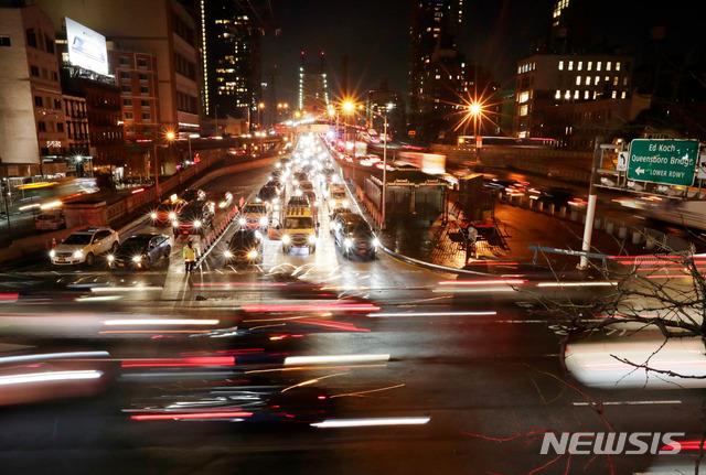 불법체류 90만명의 뉴욕주, 불체자의 운전면허 허용