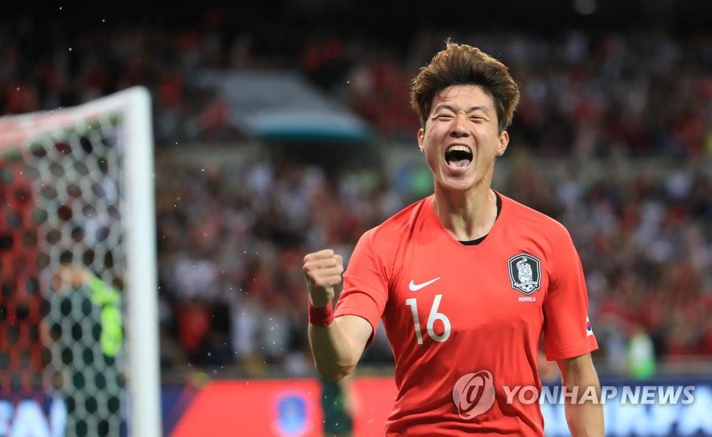'황의조 결승골' 벤투호, 호주에 1-0 진땀승