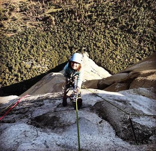 10세 소녀, 요세미티 최대 난코스 엘캐피탄 암벽 등정
